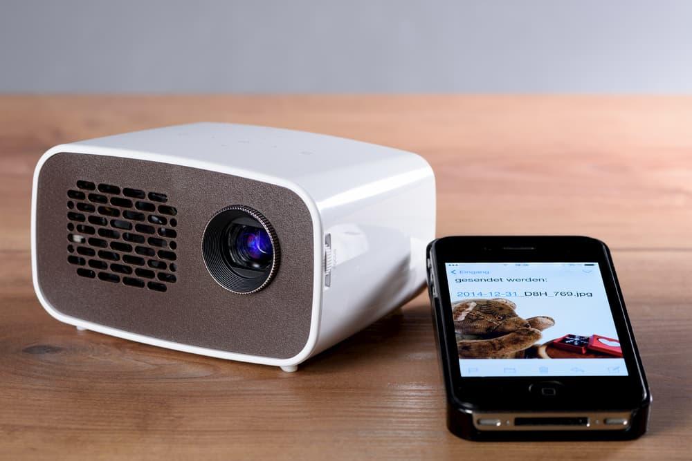 Pico projecteur : Samsung transforme votre smartphone en projecteur